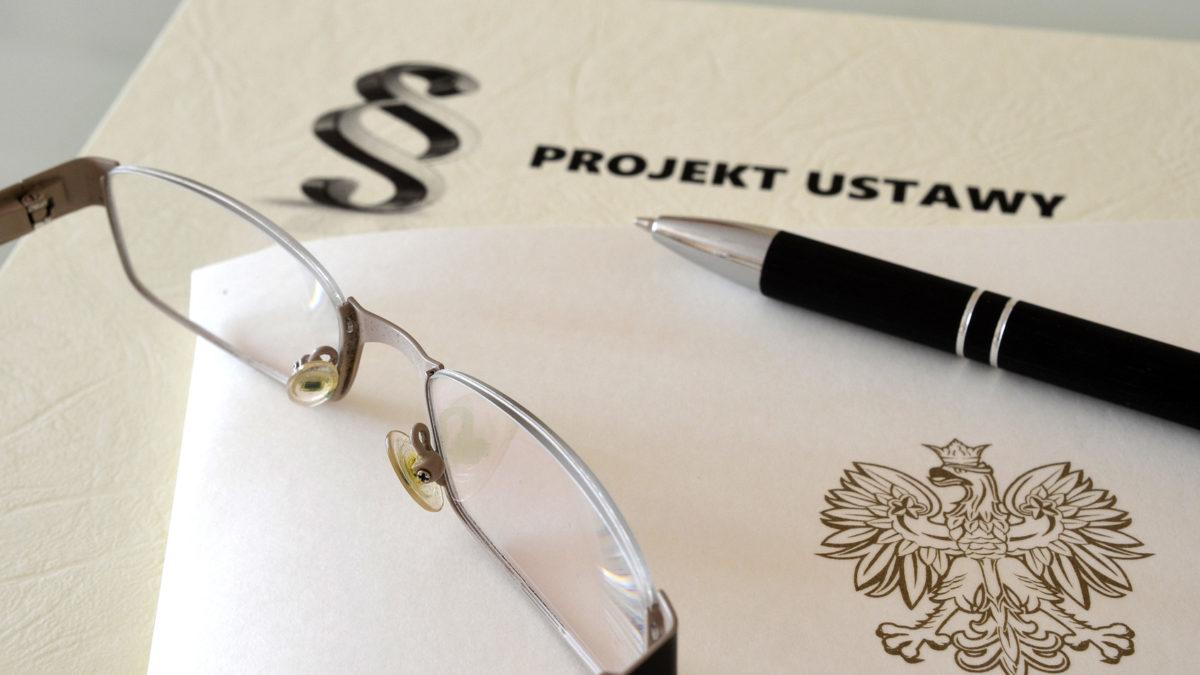 Kasy online jeszcze sobie poczekają… zmiana ustawy VAT dopiero w 2019 roku